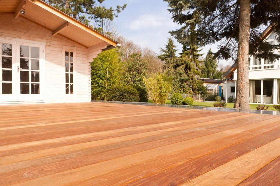 terrassendielen holz oder wpc alternatives 2 terrassenholz terrassendielen wpc terrassenbau. Black Bedroom Furniture Sets. Home Design Ideas